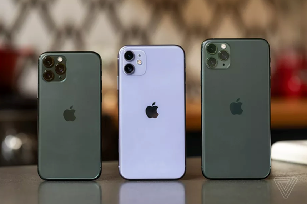 Bộ ba iPhone 11, 11 Pro và 11 Pro Max. (Nguồn: The Verge)
