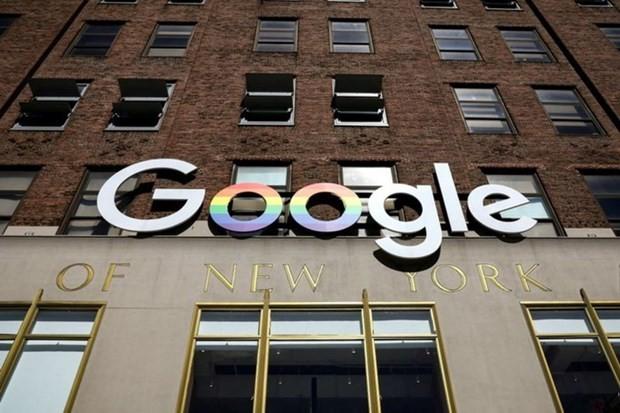 Logo Google được gắn bên ngoài các văn phòng công ty ở New York, Hoa Kỳ. (Nguồn: Reuters)