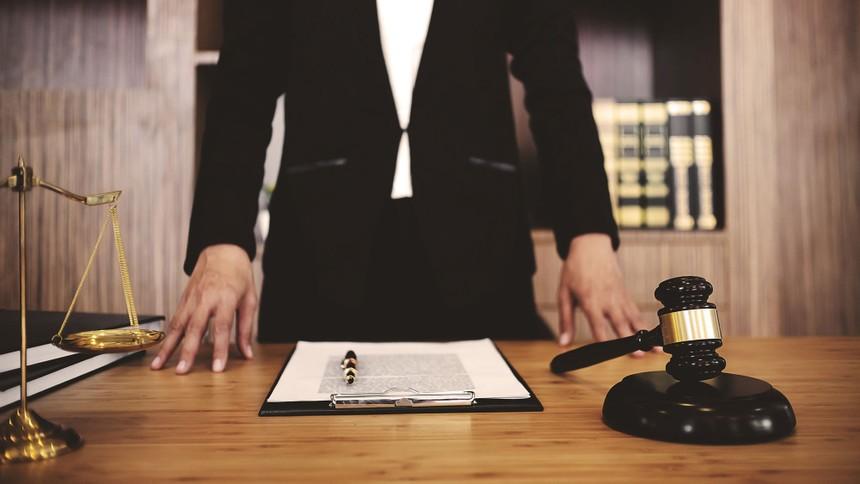 Hợp đồng thế chấp vô hiệu, cần xem xét trách nhiệm công chứng viên