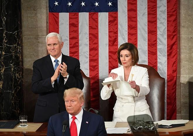Bà Pelosi cũng như nhiều nghị sĩ đảng Dân chủ tỏ thái độ không hài lòng với Thông điệp Liên bang của Tổng thống Trump. Ảnh: AFP.