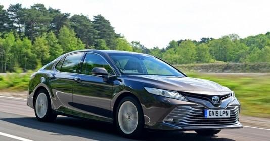 """Toyota ra mắt công nghệ mới giúp tài xế tránh """"nhầm chân ga"""""""