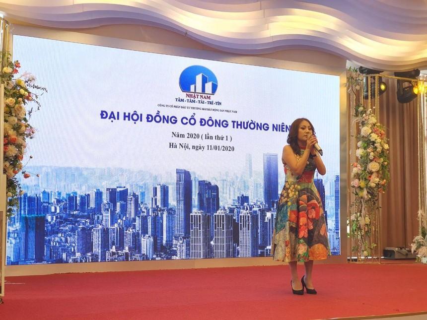 Bà Vũ Thị Thúy, Chủ tịch Hội đồng quản trị Bất động sản Nhật Nam phát biểu tại ĐHĐCĐ thường niên 2020.