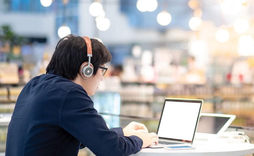 Tại các nền kinh tế phát triển, họp trực tuyến là một giải pháp được nhiều công ty lựa chọn và đã trở thành một tiền lệ tốt.