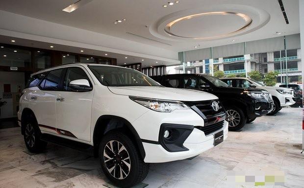 Xe nhập về Việt Nam suy giảm hơn 50% về lượng do dịch Covid-19, giá xe nhập bình quân tăng hàng trăm triệu đồng.