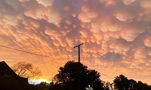 Mây vảy rồng bao phủ bầu trời Mỹ