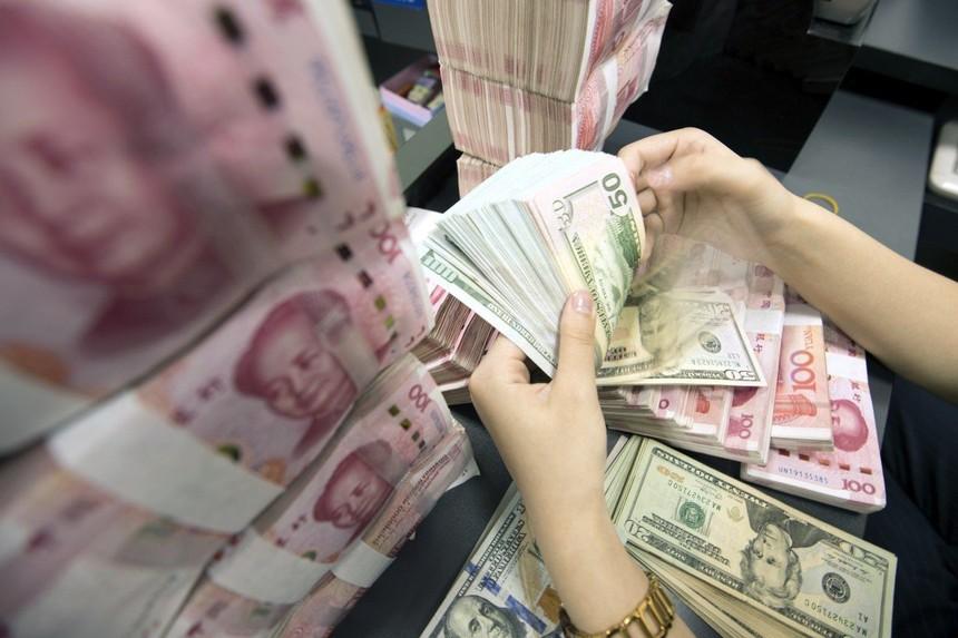 Trong thập kỷ qua, đã có không ít những lời kêu gọi chính phủ Trung Quốc từ bỏ khoản nợ khổng mà Trung Quốc đã nắm giữ đối với Kho bạc Mỹ.