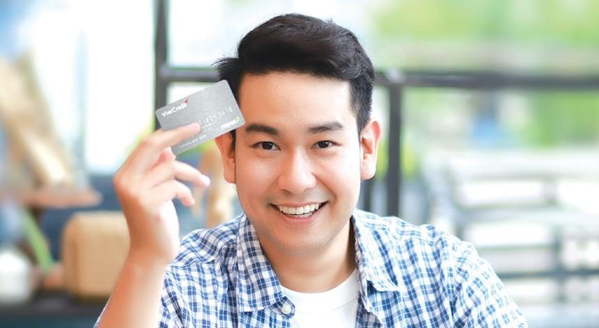 Thẻ Vay VietCredit - An tâm như vay người thân Hotline: 1900 6515, Website: www.vietcredit.vn
