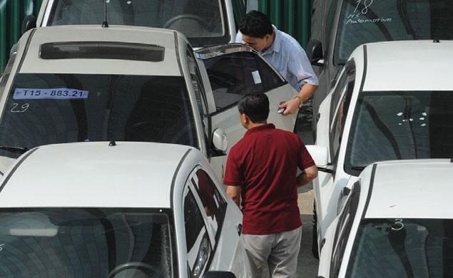 Dự báo tiêu thụ xe trong 2 quý cuối năm sẽ cao hơn so với 2 quý đầu năm, giúp nghiệp vụ bảo hiểm xe cơ giới hồi phục trở lại.
