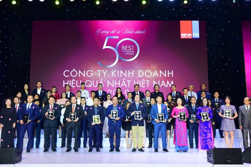 Các doanh nghiệp được vinh danh trong TOP 50 là những doanh nghiệp hàng đầu ngành tiêu dùng, ngân hàng, BĐS: Vinamilk, Masan, Vietcombank, Vingroup, Khang Điền, Novaland…