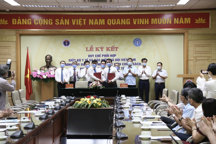 Lễ ký kết Quy chế phối hợp giữa Bộ Y tế và Bảo hiểm xã hội Việt Nam trong xây dựng, tổ chức thực hiện chính sách, pháp luật về bảo hiểm y tế.