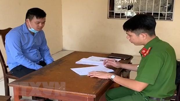 Đối tượng Nguyễn Hữu Minh tại cơ quan công an. (Ảnh: Đinh Tuấn/TTXVN).