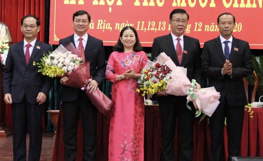 Ông Nguyễn Công Vinh (thứ 2 từ trái qua) được bầu làm Phó chủ tịch UBND tỉnh Bà Rịa - Vũng Tàu.