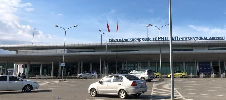 Cảng hàng không quốc tế Phú Bài.