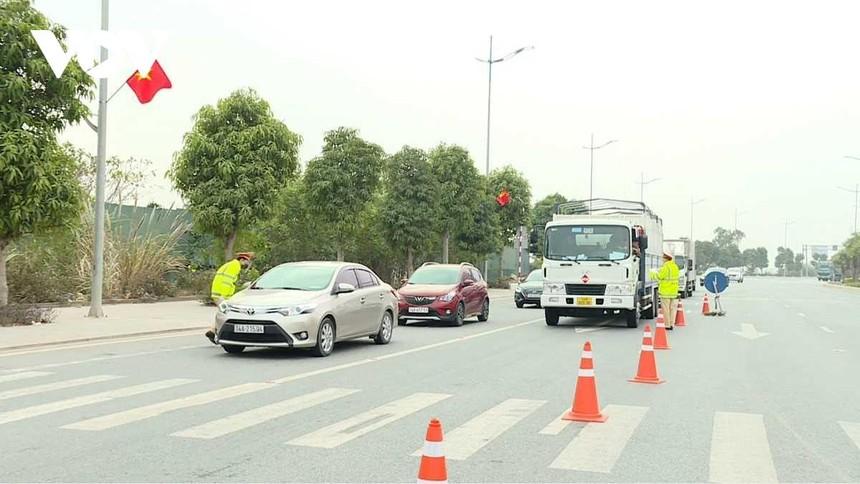 Quảng Ninh cho phép hoạt động vận tải hành khách đường bộ, đường thủy nội tỉnh từ 0h ngày 21/2.