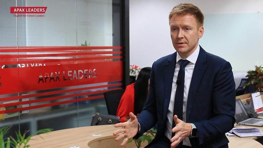 Chân dung tân Tổng Giám đốc Apax Holdings - Ông Travis Richard Stewart.
