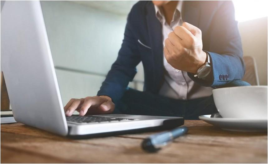 Giao dịch phái sinh gia tăng, AIS miễn phí giao dịch cho nhà đầu tư