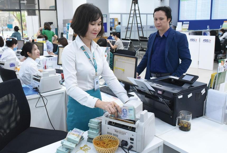 Dòng tiền mới của nhà đầu tư cá nhân trong nước vẫn đang chảy vào thị trường.