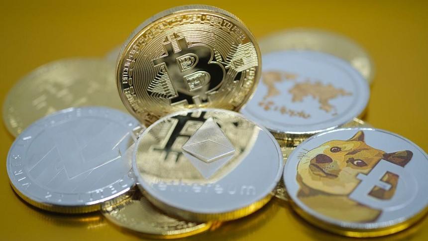 Giá Bitcoin hôm nay ngày 4/5: Bitcoin giảm sâu xuống vùng 55.000 USD trong khi Ethereum, Binance Coin, Dogecoin đồng loạt tạo đỉnh kỷ lục mới