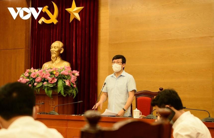 Ông Lê Duy Thành, Phó Bí thư Tỉnh ủy, Chủ tịch UBND tỉnh, Trưởng ban Chỉ đạo phòng, chống dịch bệnh COVID-19 tỉnh Vĩnh Phúc tại cuộc họp báo.
