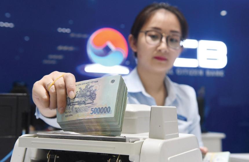 Thay thế tiền giấy bằng tiền Polymer là quyết định gây tranh cãi nhưng cho đến nay đã khẳng định tính đúng đắn.