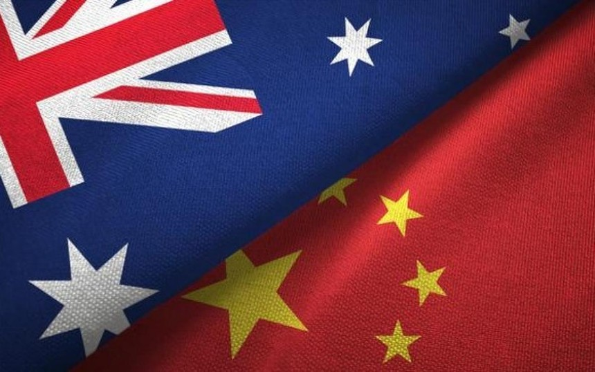 Hình ảnh cờ Australia và Trung Quốc. Ảnh: The Australian.