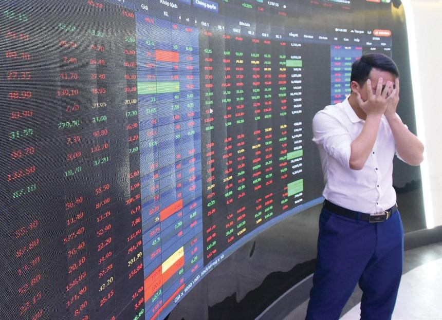 Nếu đầu tư chỉ dựa trên tin đồn, rủi ro mất tiền sẽ rất lớn.