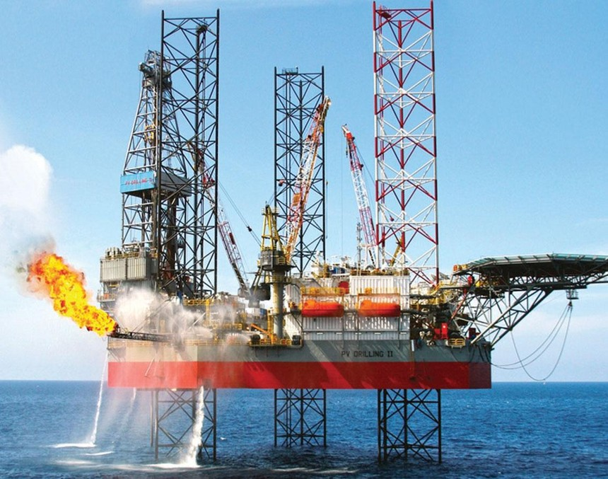 Trong thời gian giá dầu phục hồi, một số doanh nghiệp như PLX, OIL, TLP, BSR tăng tích trữ tồn kho.