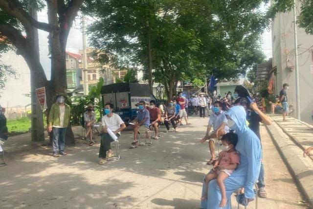 Bắc Giang: Công nhân tại khu vực điểm nóng Covid-19 phải cách ly 21 ngày khi về nhà