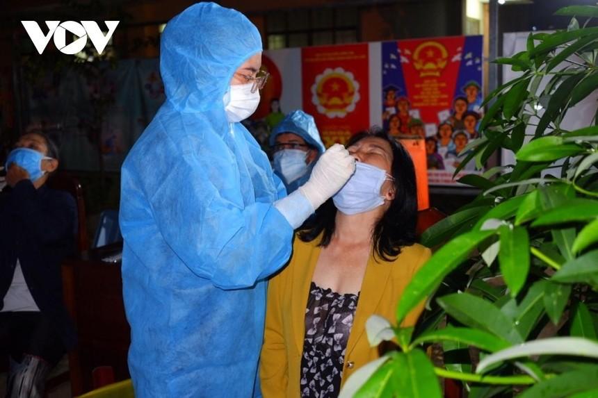 Tổ chức lấy mẫu xét nghiệm giám sát toàn phường 9 quận Gò Vấp (HCDC)