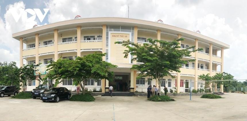 Trường THPT chuyên Lý Tự Trọng - Một trong 4 khu cách ly tập trung tại quận Cái Răng, Cần Thơ.