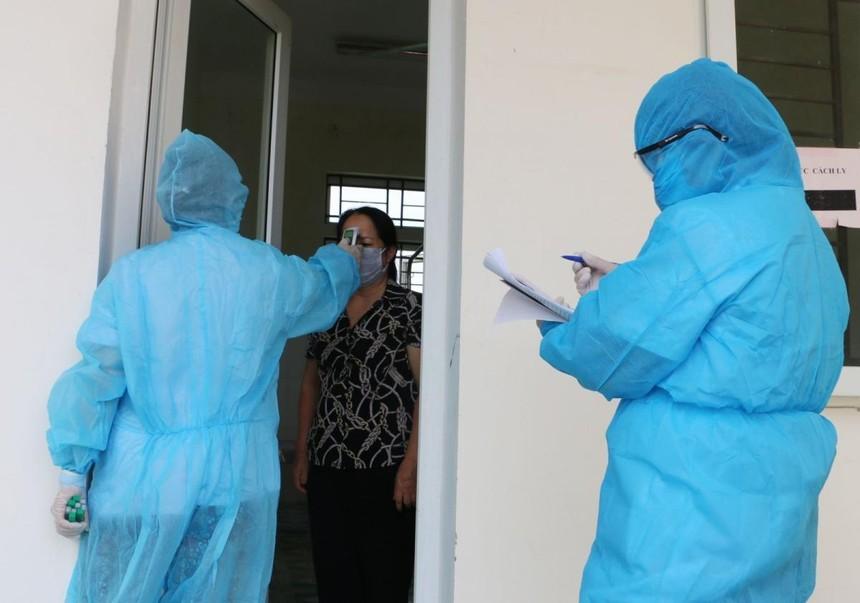 Đến nay nghành y tế cùng các cơ quan chức năng đã truy vết được 2.758 F1, F2 liên quan đến 7 ca bệnh trên địa bàn.