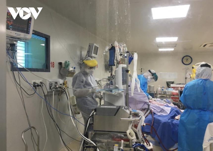3 bệnh nhân Covid-19 rất nặng đang chạy ECMO tại BV Bệnh Nhiệt Đới TP.HCM (Ảnh Sở Y tế).