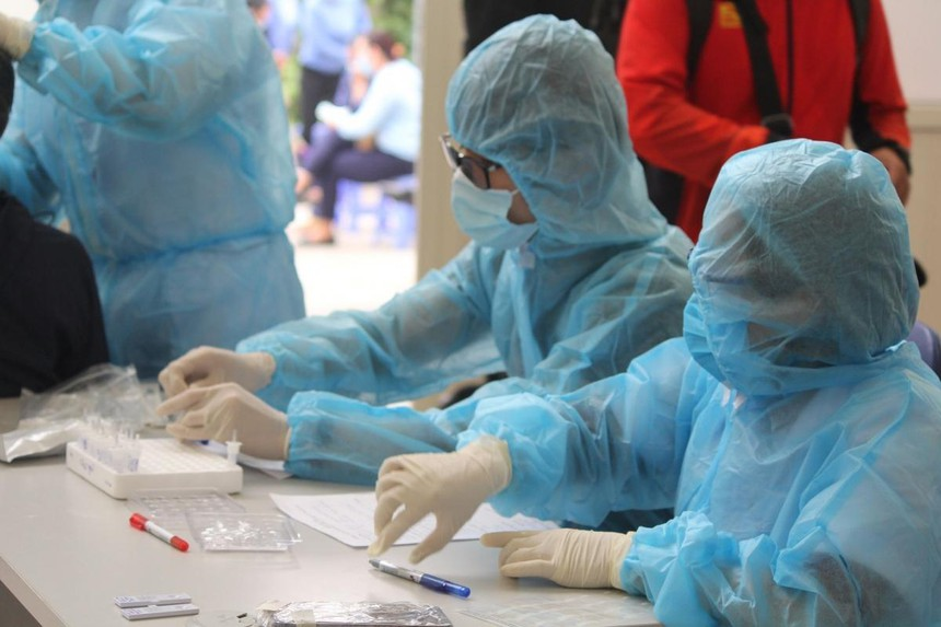 Hà Nội có thêm 4 ca dương tính với SARS-CoV-2 liên quan đến chùm ca bệnh ở Đông Anh.