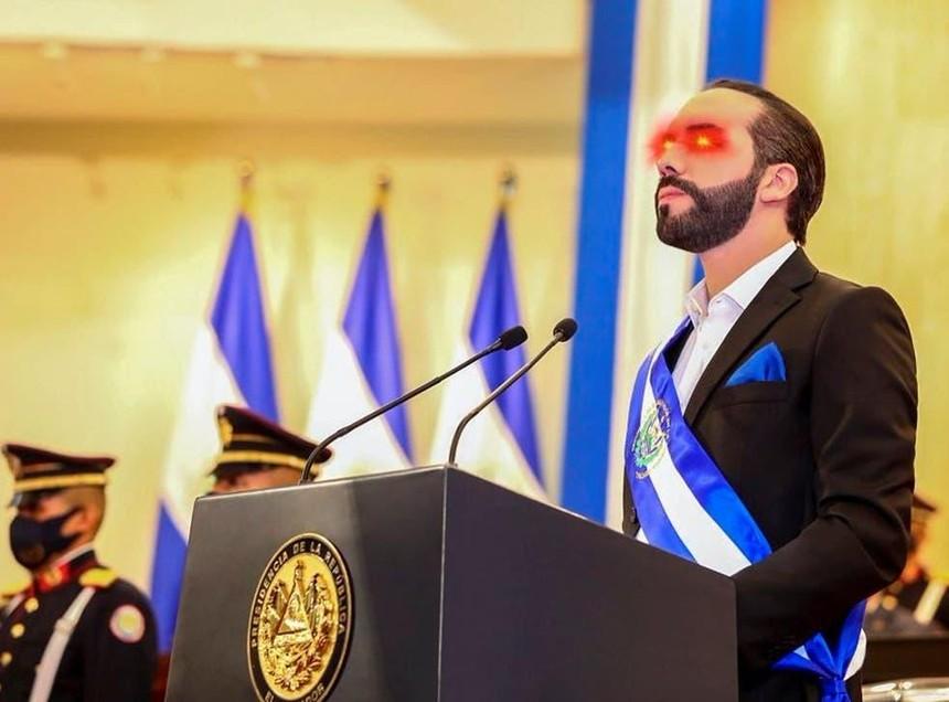 Tổng thống El Salvador Nayib Bukele đã thay ảnh đại diện mắt laser để ủng hộ Bitcoin trên trang twitter.