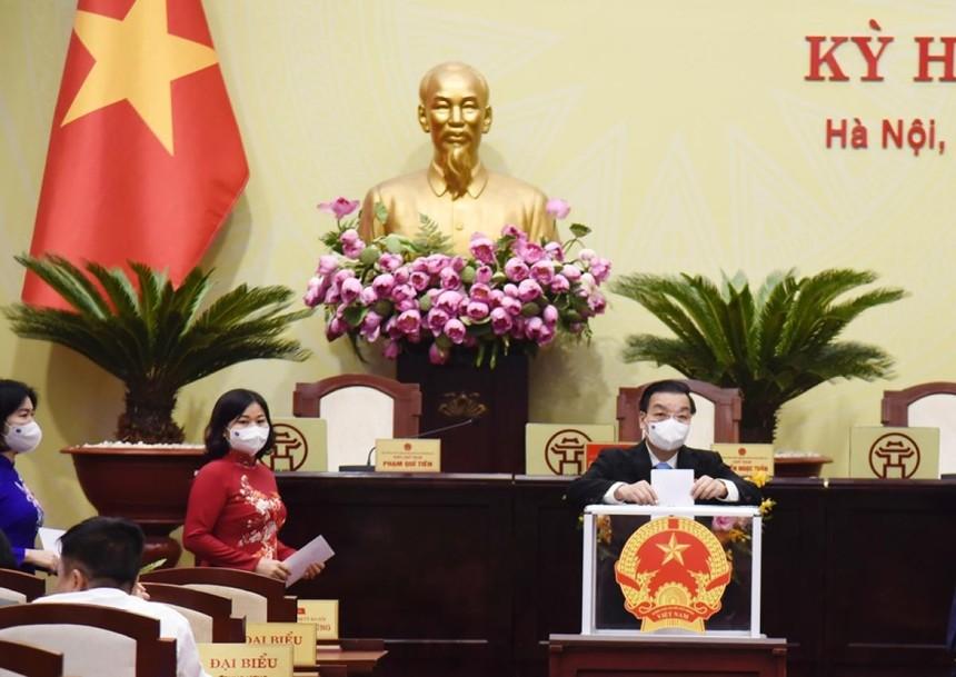 HĐND thành phố bầu chức danh Chủ tịch UBND thành phố Hà Nội.