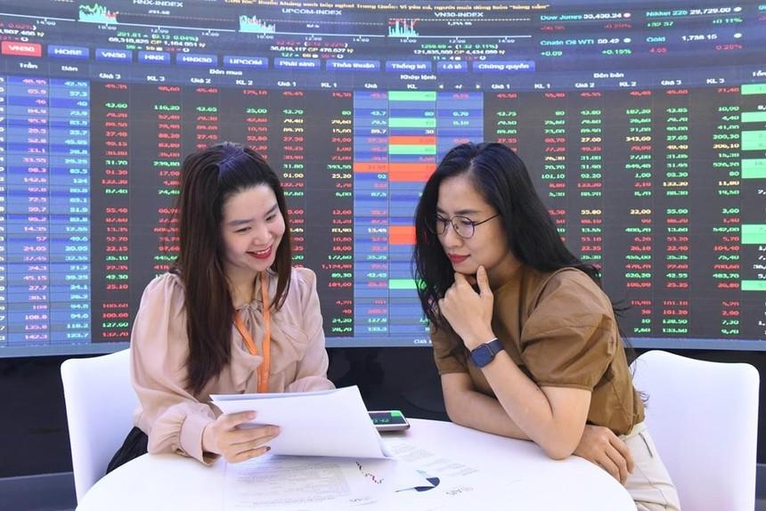 Mở tài khoản chứng khoán nên chọn công ty nào?
