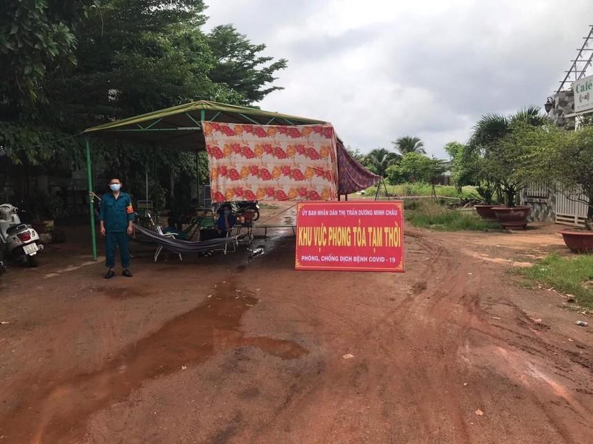 Một khu vực phong toả trên địa bàn tỉnh Tây Ninh (ảnh Hà An).
