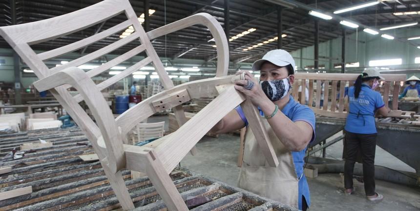 Mất đơn hàng đang là nỗi lo của doanh nghiệp xuất khẩu gỗ.