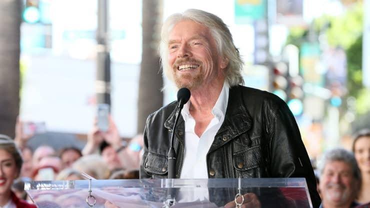 Tỷ phú Richard Branson khi được vinh danh tại Đại lộ Danh vọng ở HollyWood.
