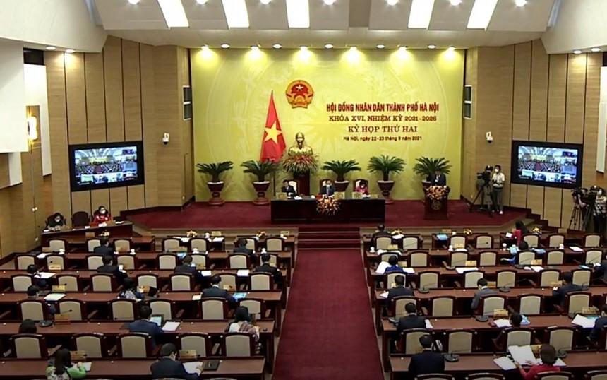 HĐND TP Hà Nội thông qua mức thu phí năm học 2021-2022.