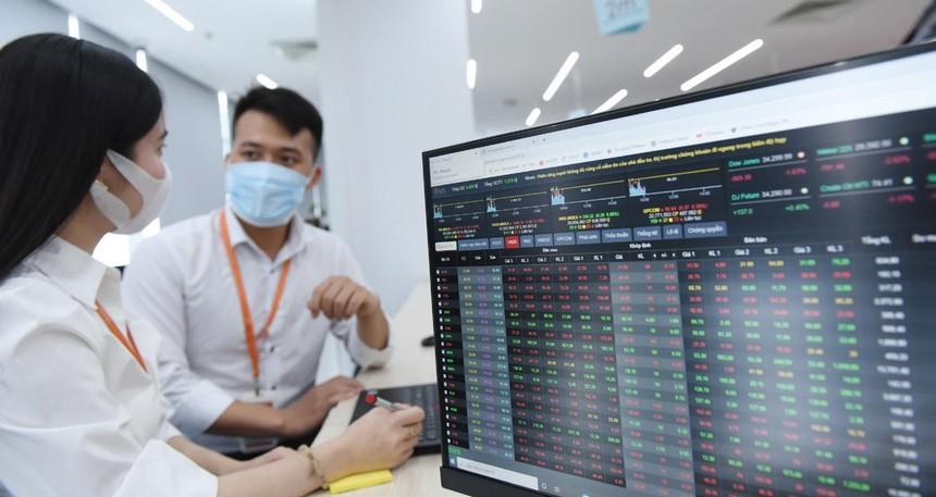 Các nhà đầu tư F0 thường có xu hướng ưa chuộng cổ phiếu thị giá thấp.