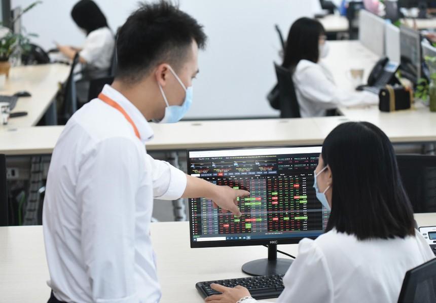 Thị trường đang ở trạng thái sẵn sàng đón nhận kết quả kinh doanh quý III/2021 kém khả quan của nhiều doanh nghiệp.