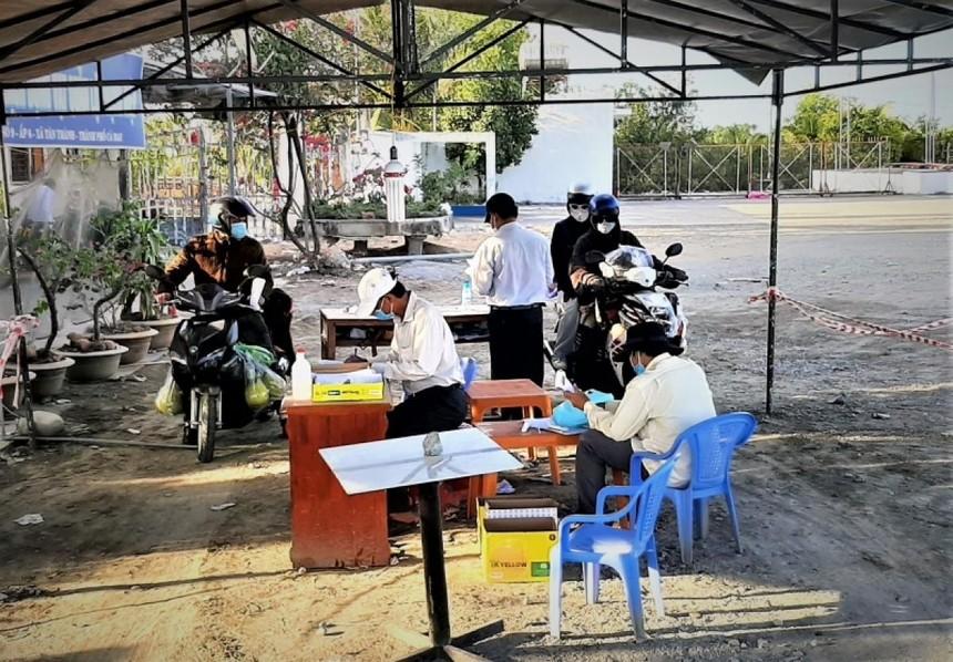 Tỉnh Cà Mau mở các hoạt động nội tỉnh nhưng tiếp tục siết chặt quản lý người, phương tiện vào địa bàn.