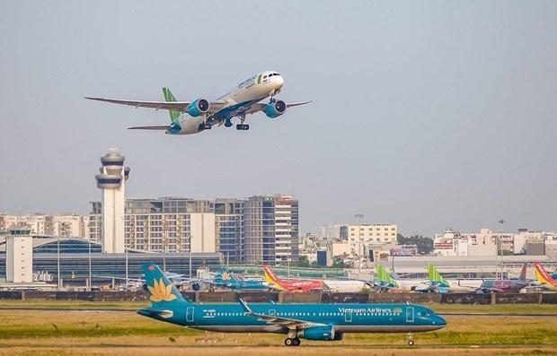 Các hãng hàng không công bố mở lại hàng loạt đường bay nội địa từ ngày 10/10. (Ảnh: CTV/Vietnam+).