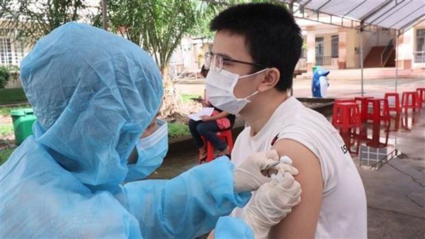 Tiêm vaccine ngừa COVID-19. (Nguồn: TTXVN).
