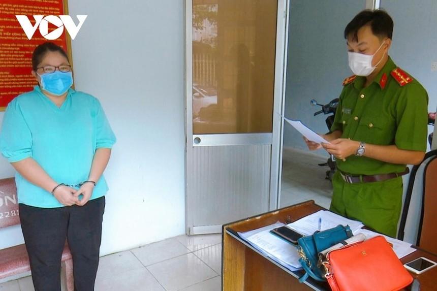 Cơ quan Công an tống đạt quyết định khởi tố vụ án, khởi tố bị can và lệnh bắt bị can để tạm giam đối với Nguyễn Phương Thanh.