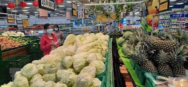 Siêu thị đảm bảo rau, củ quả tươi xanh phục vụ khách hàng. (Ảnh: Nguyễn Văn Trí/TTXVN).