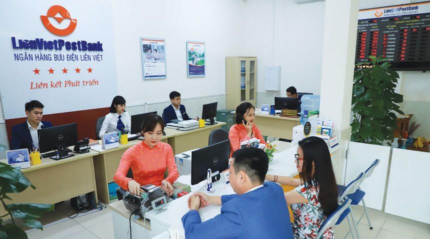 """LienVietPostBank: Đa dạng hóa sản phẩm bảo hiểm """"mở đường"""" cho bán lẻ"""