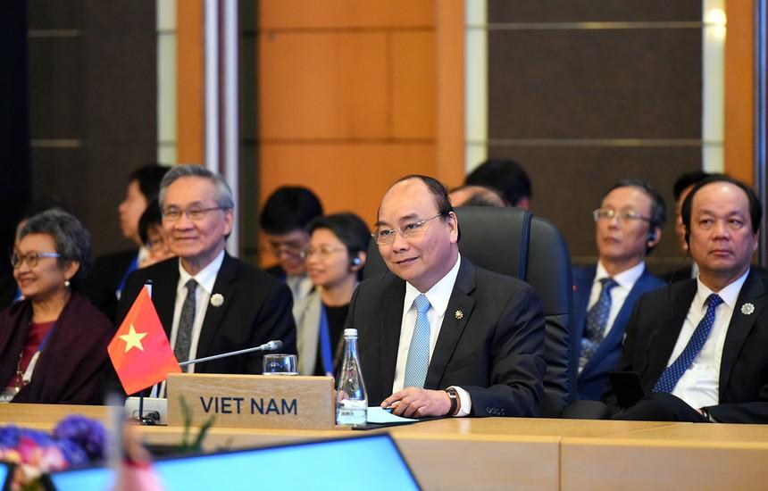 Thủ tướng Nguyễn Xuân Phúc dự Hội nghị Cấp cao ASEAN với Hoa Kỳ, Trung Quốc, Hàn Quốc, Nhật Bản. Ảnh: VGP/Quang Hiếu