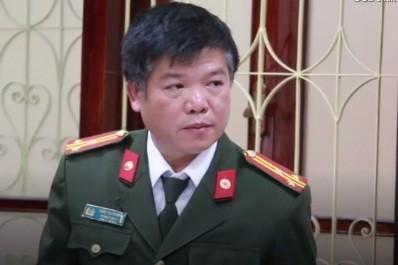 Thượng tá Trần Thanh Sơn, Trưởng phòng Tham mưu Công an tỉnh Sơn La phát biểu tại buổi gặp mặt báo chí.